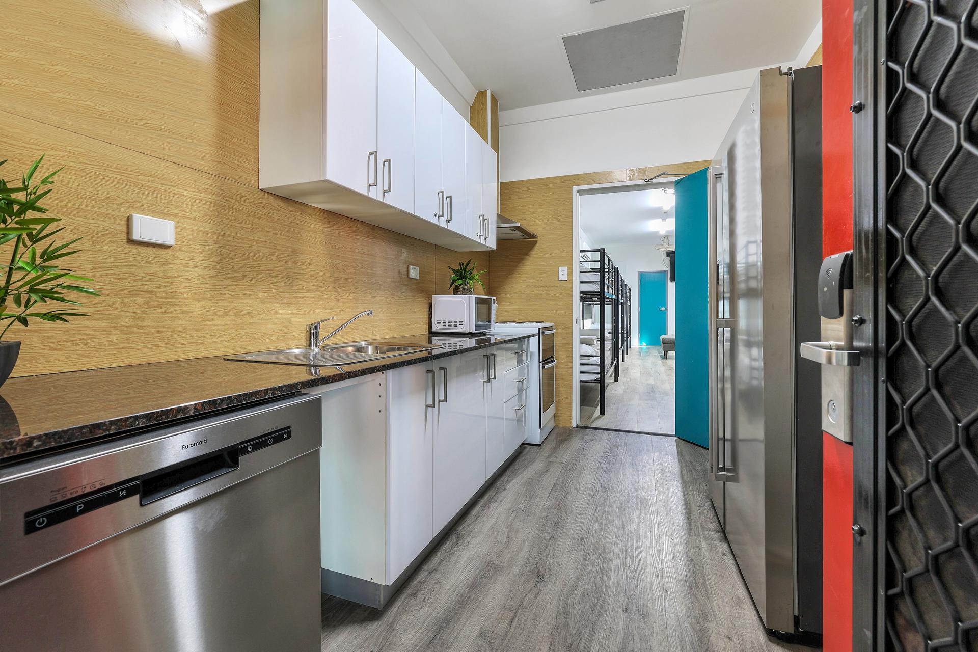 Darwin hotel room kitchen